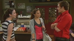 Kate Ramsay, Jade Mitchell, Kyle Canning in Neighbours Episode 6181