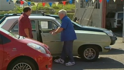 Customer, Lou Carpenter in Neighbours Episode 6181