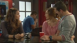 Jade Mitchell, Sonya Mitchell, Toadie Rebecchi in Neighbours Episode 6181