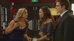 Nikki Mays, Jade Mitchell, Kyle Canning in Neighbours Episode 6181