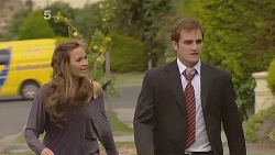 Jade Mitchell, Kyle Canning in Neighbours Episode 6181