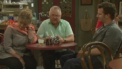 Carolyn Johnston, Harold Bishop, Lucas Fitzgerald in Neighbours Episode 6181