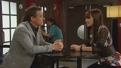 Paul Robinson, Summer Hoyland in Neighbours Episode 6184