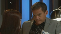 Summer Hoyland, Paul Robinson in Neighbours Episode 6184
