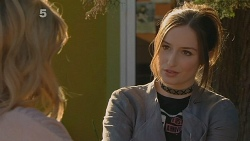 Natasha Williams, Bethany Peters in Neighbours Episode 6186