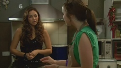 Jade Mitchell, Kate Ramsay in Neighbours Episode 6186