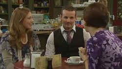 Sonya Mitchell, Toadie Rebecchi, Cathy McPhee in Neighbours Episode 6187