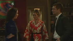 Kate Ramsay, Jade Mitchell, Mark Brennan in Neighbours Episode 6188