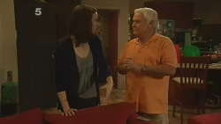 Kate Ramsay, Lou Carpenter in Neighbours Episode 6188