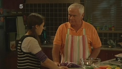 Sophie Ramsay, Lou Carpenter in Neighbours Episode 6188