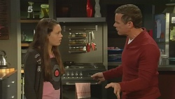 Sophie Ramsay, Paul Robinson in Neighbours Episode 6189