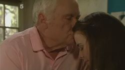 Lou Carpenter, Kate Ramsay in Neighbours Episode 6189