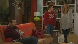 Toadie Rebecchi, Callum Jones, Sonya Mitchell in Neighbours Episode 6190
