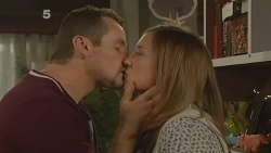 Toadie Rebecchi, Sonya Mitchell in Neighbours Episode 6190