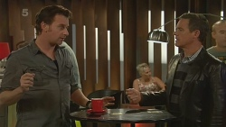 Lucas Fitzgerald, Paul Robinson in Neighbours Episode 6192