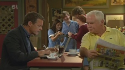 Paul Robinson, Lou Carpenter in Neighbours Episode 6193