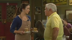 Kate Ramsay, Lou Carpenter in Neighbours Episode 6193