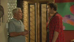 Lou Carpenter, Kyle Canning in Neighbours Episode 6196
