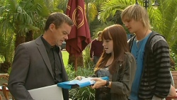 Paul Robinson, Summer Hoyland, Andrew Robinson in Neighbours Episode 6197
