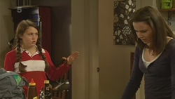 Sophie Ramsay, Kate Ramsay in Neighbours Episode 6198