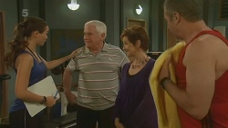 Jade Mitchell, Lou Carpenter, Susan Kennedy, Karl Kennedy in Neighbours Episode 6199
