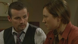 Toadie Rebecchi, Sonya Mitchell in Neighbours Episode 6200