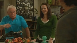 Lou Carpenter, Kate Ramsay, Lucas Fitzgerald in Neighbours Episode 6200