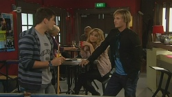Chris Pappas, Natasha Williams, Andrew Robinson in Neighbours Episode 6200