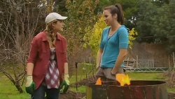Sonya Mitchell, Kate Ramsay in Neighbours Episode 6200