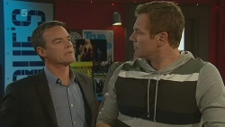 Paul Robinson, Michael Williams in Neighbours Episode 6201