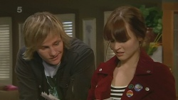 Andrew Robinson, Summer Hoyland in Neighbours Episode 6202
