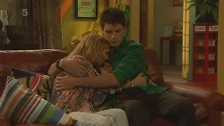 Natasha Williams, Chris Pappas in Neighbours Episode 6202