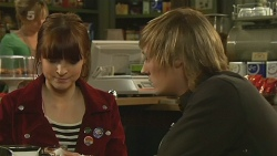 Summer Hoyland, Andrew Robinson in Neighbours Episode 6203