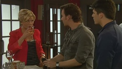Carla Turner, Lucas Fitzgerald, Chris Pappas in Neighbours Episode 6204