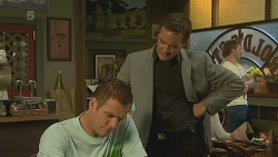 Michael Williams, Paul Robinson in Neighbours Episode 6207