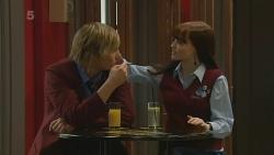 Andrew Robinson, Summer Hoyland in Neighbours Episode 6207
