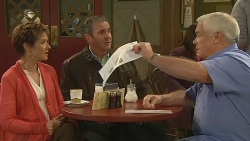 Susan Kennedy, Karl Kennedy, Lou Carpenter in Neighbours Episode 6209