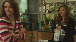 Kate Ramsay, Jade Mitchell in Neighbours Episode 6210