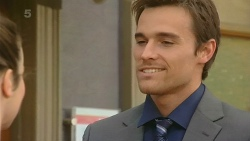 Kate Ramsay, Rhys Lawson in Neighbours Episode 6210