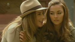 Sonya Mitchell, Jade Mitchell in Neighbours Episode 6211