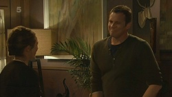 Sonya Mitchell, Michael Williams in Neighbours Episode 6212