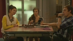 Michelle Tran, Jade Mitchell, Kyle Canning in Neighbours Episode 6212