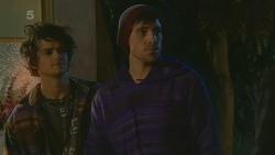Gael Moreau, Simon Dupont in Neighbours Episode 6215