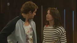 Kyle Canning, Kate Ramsay in Neighbours Episode 6215