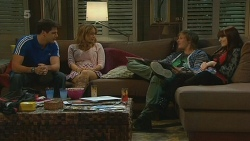 Chris Pappas, Natasha Williams, Andrew Robinson, Summer Hoyland in Neighbours Episode 6218