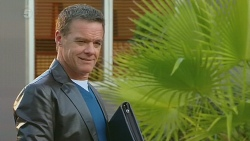 Paul Robinson in Neighbours Episode 6226
