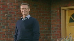 Paul Robinson in Neighbours Episode 6227