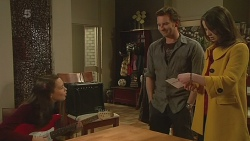 Sophie Ramsay, Lucas Fitzgerald, Kate Ramsay in Neighbours Episode 6227