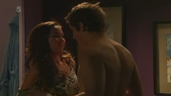 Jade Mitchell, Kyle Canning in Neighbours Episode 6227
