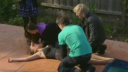 Jade Mitchell, Natasha Williams, Chris Pappas, Andrew Robinson in Neighbours Episode 6229